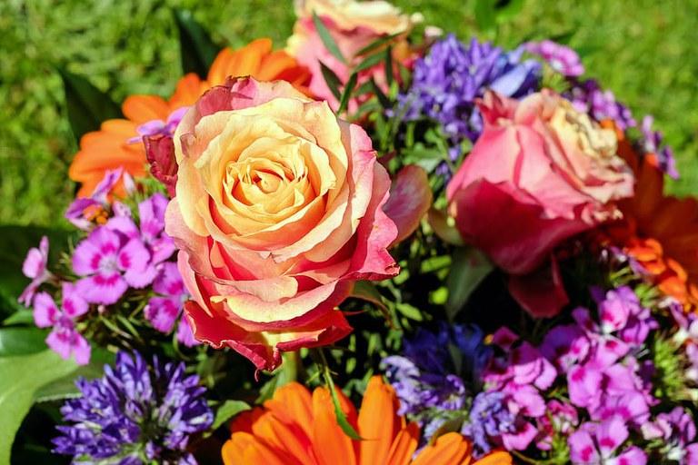 bouquet-cut-flowers-colorful-roses.jpg
