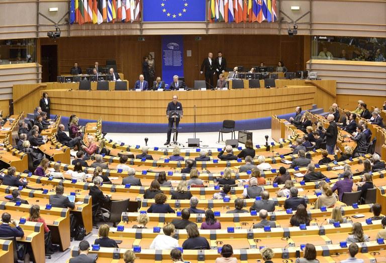 Zaal_Europees_Parlement_Brussel.jpg