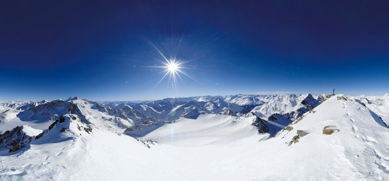 Stubaier_Gletscher_Panorama.jpg