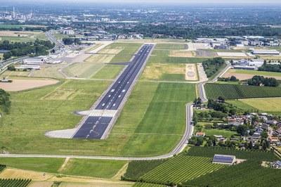 [3] Maastricht Aachen Airport.jpg