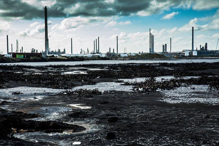 Raffinaderij-Isla-asfaltmeer-Sinaya-Wolfert.jpg